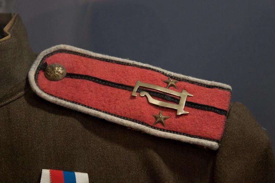 Погон подпоручика 2-го Стрелкового офицерского генерала Дроздовского полка Добровольческой армии.