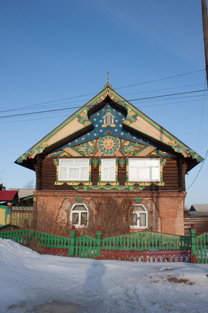Дом, выстроенный народным мастером Юрием Михайловым.