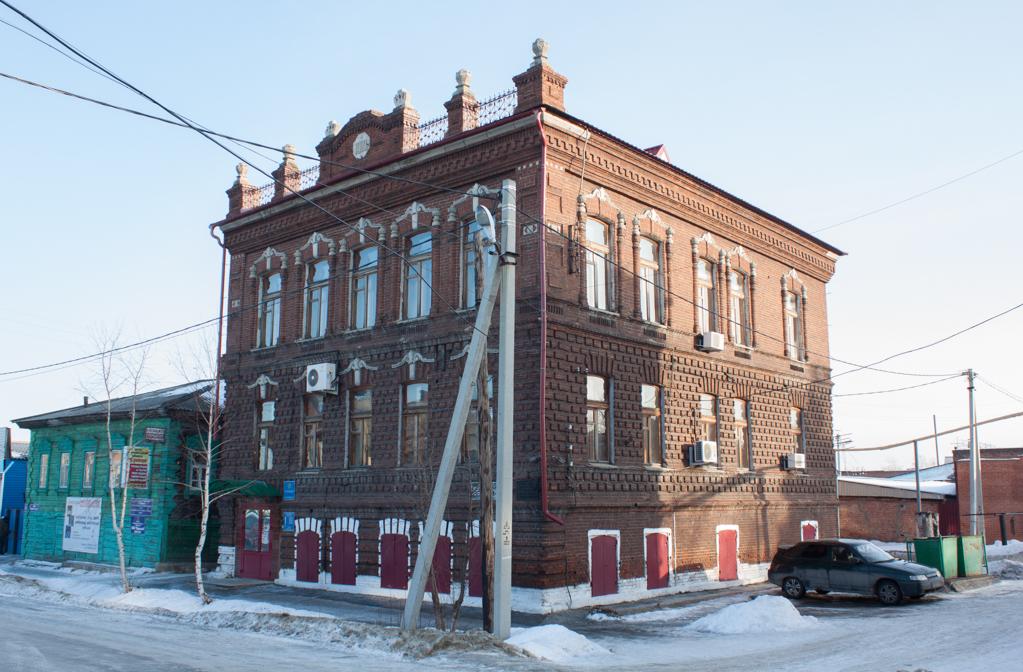 Дом мещан Васильевых, торговавших различными продуктами.